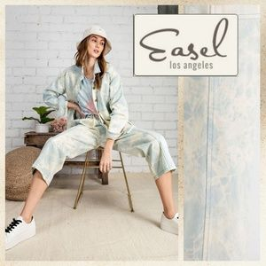 """Easel """"Cool Girl"""" Stone Wash Slouchy Cropped Jeans"""